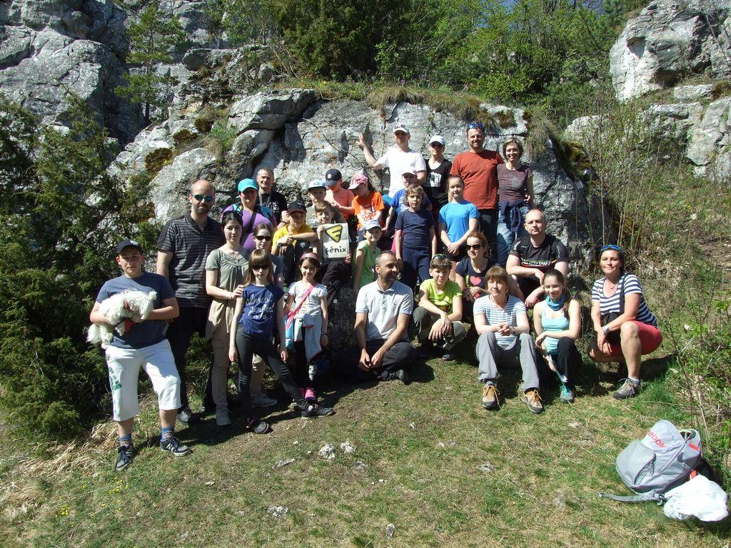 Lezecký výlet na detí na Dreveník. Podaril sa nám krásny prvý tohoročný  výlet na skaly s deťmi z detského krúžku na umelej stene a trénujúcími  deťmi. b2b0beb9abe